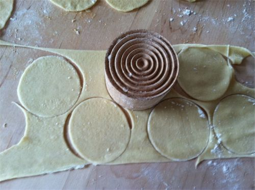Cut corzetti circles