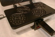 #7120 The CucinaPro Electric Piccolo Pizzelle Iron, Nonstick