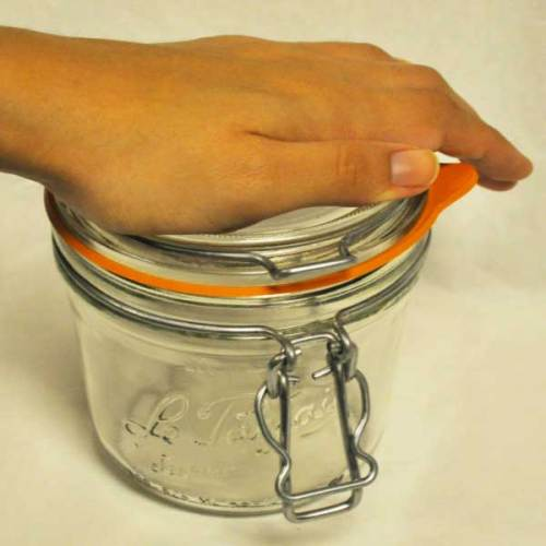 chipping-prevention-bail-top-glass-jars02