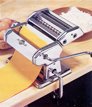 Prepare the sheet of dough with the Atlas Pasta Machine